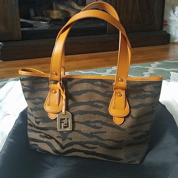 b99154459e2f Fendi Handbags - FENDI Signature Tote Bag w  Dustbag